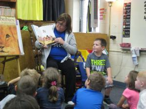 Easton's mom reading to the class!