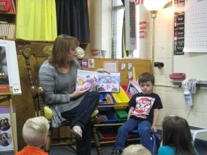 Liam's mom reading to the class!