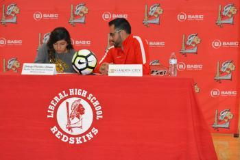 Johaly Portillo signs to GCCC