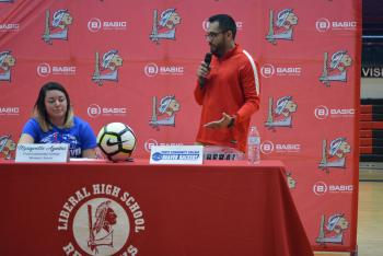 Mariyvette Aguilar signs to Pratt