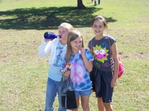 Chloe, Ashleigh, and Pepper... a dangerous trio!
