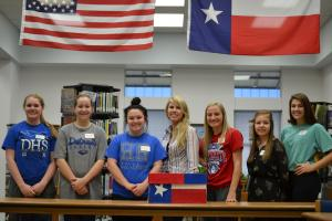 DHS Gov't Students Facilitate a Mock Election during the 2016 Presidential Election