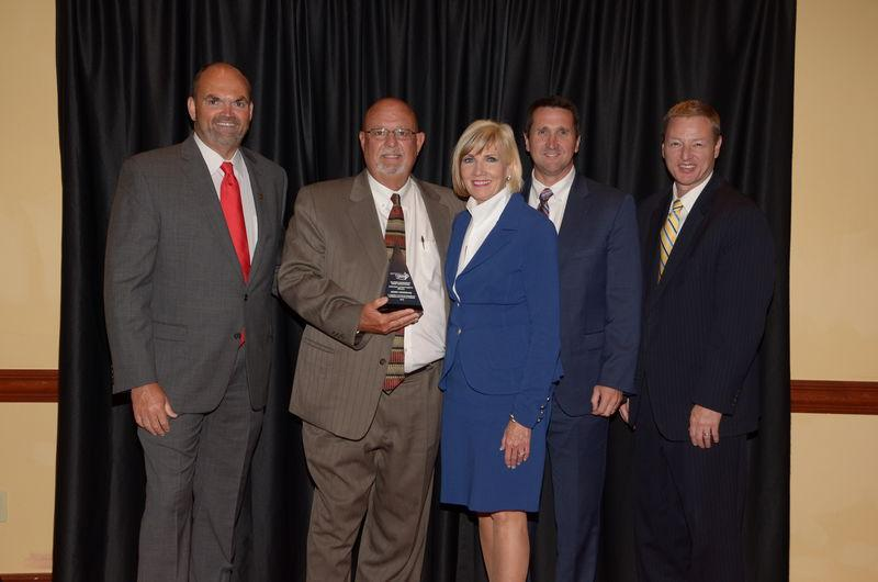 Oktaha Superintendent Receives Award