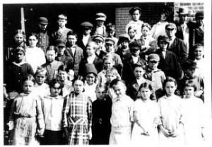 Oktaha School 1915 - Grades 3 & 4