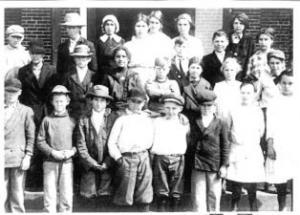 Oktaha School 1915 - Grades 5 & 6