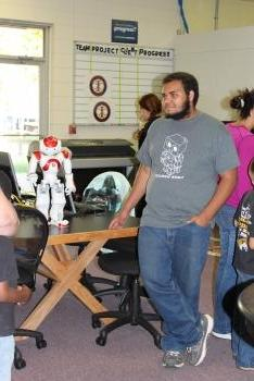 Andrew Ward teaches with the NAO Robot (Bruce)