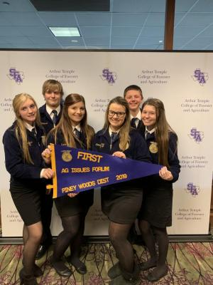 Gracie Leach, Gage Thompson, Kirsti Jernigan, Delaney Dunn, Logan Williams and Kirsti Jernigan plaing 1st in Ag Issues at the 2019 Pineywoods District LDE contest- advancing to Area