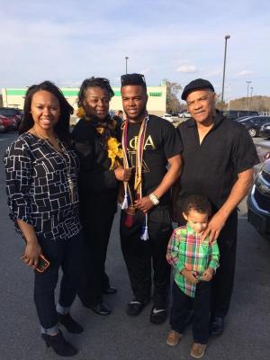 My family - Tenia, Me, Bobo, Travis and Jerame