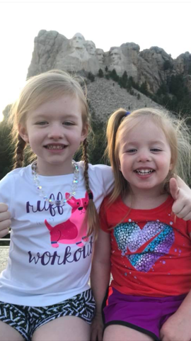 Rowyn and Rylee at Mount Rushmore