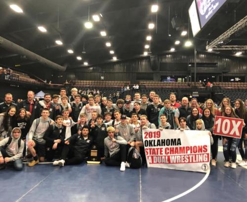 2019 dual champs team pic
