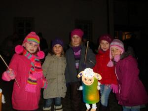 Every November 7th is Sankt Martinstag, where a rider on horseback dressed as Saint Martin, rides through the streets with a group of children following and carrying lanterns singing traditional songs.  The procession usually ends at the church with cocoa