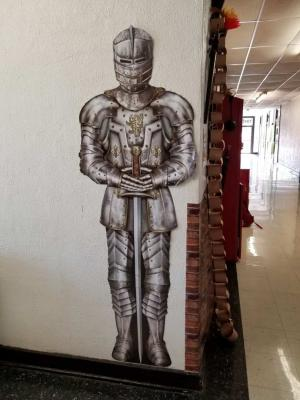 Medieval Studies Grades 7-8      Our Knight in Shining Armor