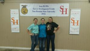 Poultry Team - Tori Huckabay, Kaycie Burns& Madison Steele