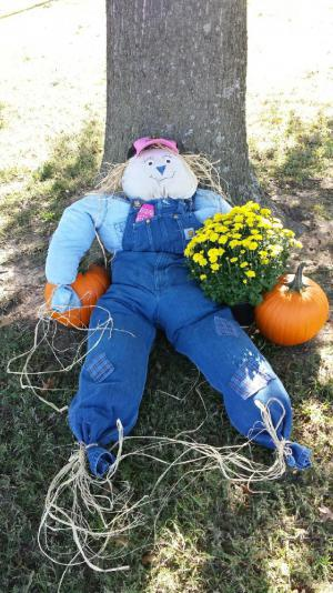 Chamber of Commerce Scarecrow contest