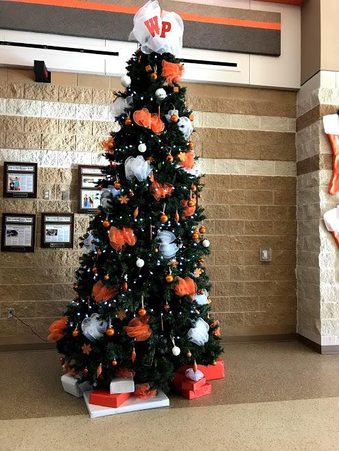 Art Club decorated the Christmas Tree! 2018