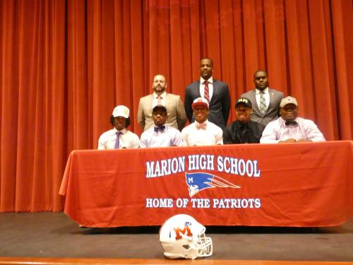 Football Players signing 2019