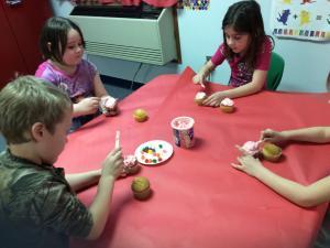 Making cupcakes in art!