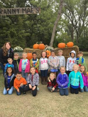 Mrs. Hoffman and her class at Granny Mae's Pumpkin Patch for the Kindergarten Field Trip.