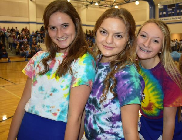 Elementary Students Perform During Pep Rally