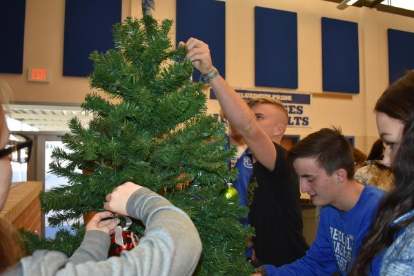Class of 2020 Tree Decorating