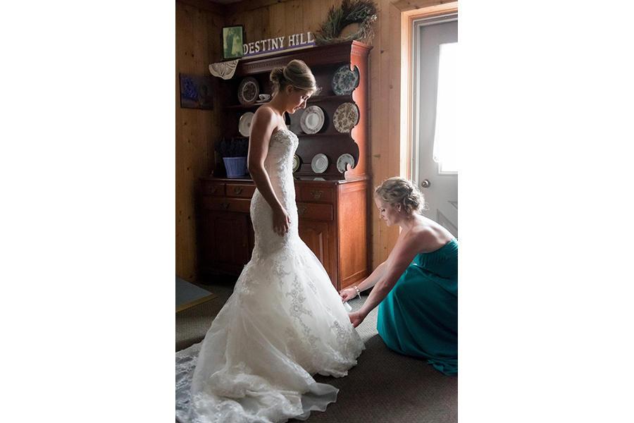 wedding photography bride prep