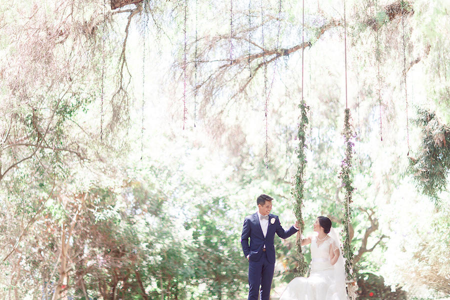 bride and groom outdoor photography
