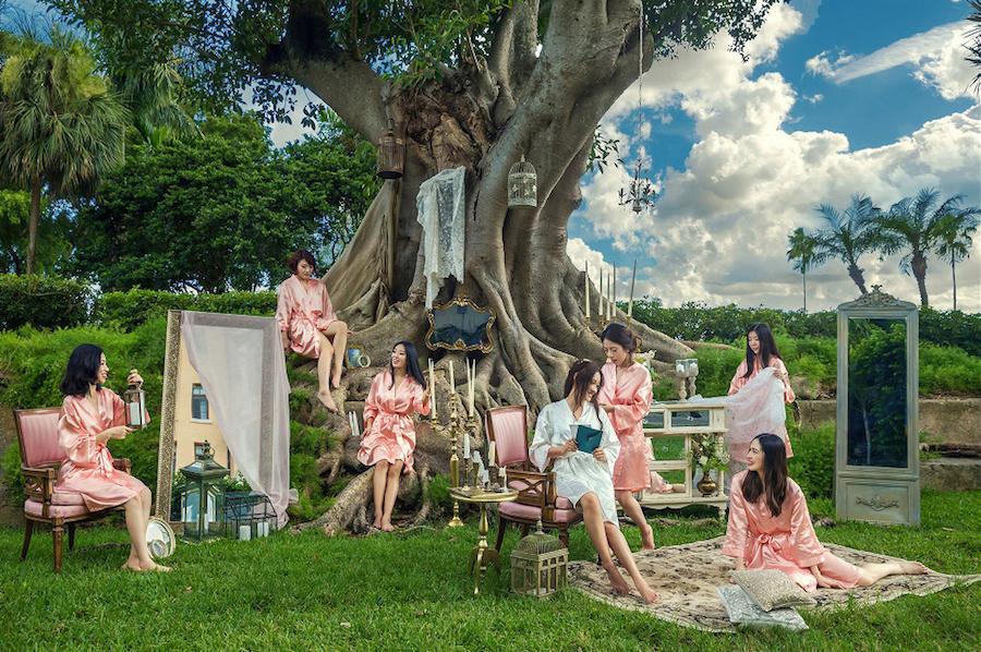outdoor wedding bridal party