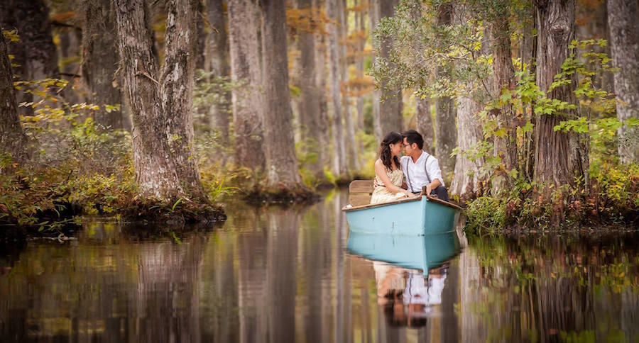 outdoor wedding photography boat