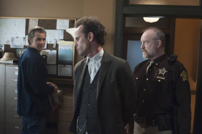 Timothy Olyphant as Deputy U.S. Marshal Raylan Givens, Walton Goggins as Boyd Crowder, Jim Beaver as Shelby Parlow