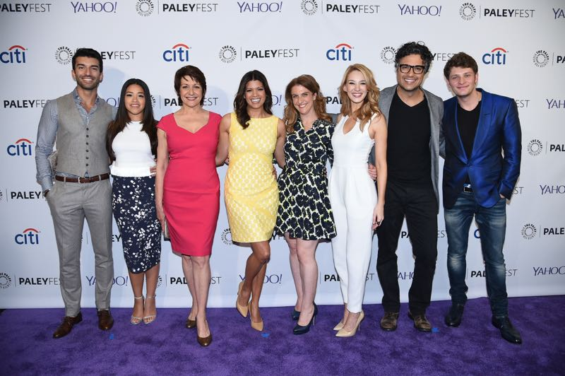 Jane The Virgin Scoop Interviews With The Cast At