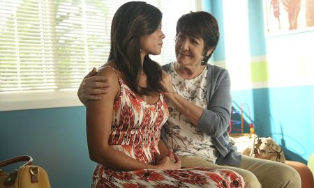 """Jane The Virgin -- """"Chapter Twenty-Three"""" (L-R): Andrea Navedo as Xo and Ivonne Coll as Alba -- Photo: Patrick Wymore/The CW © 2015 The CW Network"""