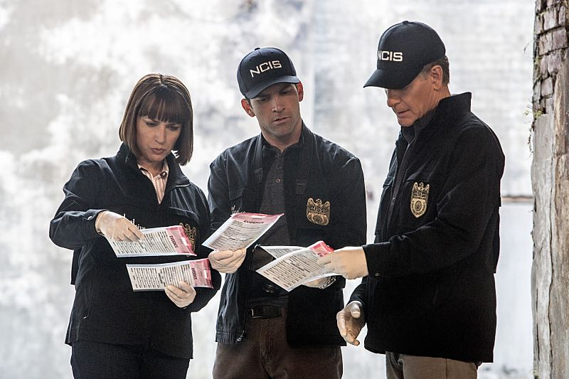 """""""Means to an End"""" -- The NCIS team discovers a surveillance van filled with photos documenting Special Agent Pride's every move after his daughter Laurel is attacked on campus and placed in protective custody, on NCIS: NEW ORLEANS, Tuesday, March 22 (9:00-10:00 PM, ET/PT), on the CBS Television Network. Pictured L-R: Julie Ann Emery as NCIS Special Agent Karen Hardy, Lucas Black as Special Agent Christopher LaSalle, and Scott Bakula as Special Agent Dwayne Pride Photo: Skip Bolen/CBS ©2016 CBS Broadcasting, Inc. All Rights Reserved"""