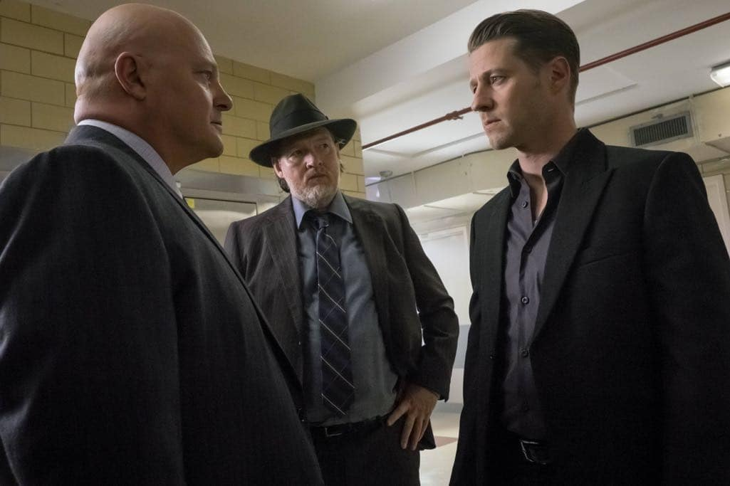 """GOTHAM: L-R: Michael Chiklis, Donal Logue and Ben McKenzie in the """"Mad City: Red Queen"""" episode of GOTHAM airing Monday, Oct. 31 (8:00-9:01 PM ET/PT) on FOX. ©2016 Fox Broadcasting Co. Cr: Jeff Neumann/FOX."""