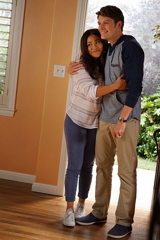 """Jane The Virgin -- """"Chapter Forty-Seven"""" -- Image Number: JAV303c_32_0036.jpg -- Pictured (L-R): Gina Rodriguez as Jane and Brett Dier as Michael -- Photo: Scott Everett White/The CW -- ©2016 The CW Network, LLC. All Rights Reserved."""