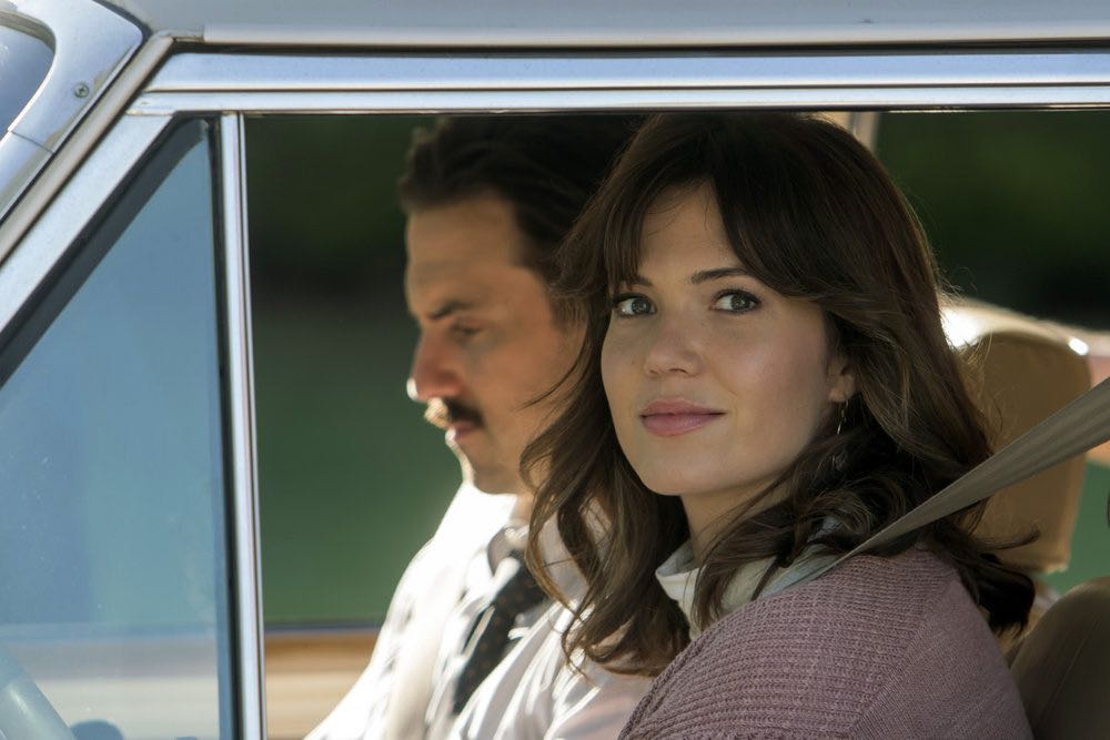 """THIS IS US -- """"Career Days"""" Episode 106 -- Pictured: (l-r) Milo Ventimiglia as Jack, Mandy Moore as Rebecca -- (Photo by: Ron Batzdorff/NBC)"""
