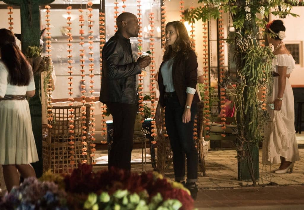 """ROSEWOOD: Pictured L-R: Morris Chestnut and Jaina Lee Ortiz in the """"Spirochete & Santeria"""" episode of ROSEWOOD airing Thursday, Wednesday Oct. 27 (8:00-8:59 PM ET/PT) on FOX. ©2016 Fox Broadcasting Co. CR: Eddy Chen/FOX"""