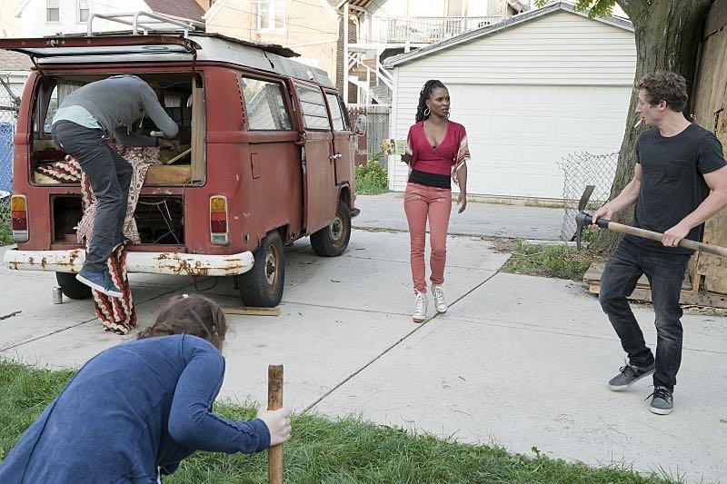 Shanola Hampton as Veronica Fisher and Jeremy Allen White as Lip Gallagher in Shameless (Season 7, episode 2) - Photo: Chuck Hodes/SHOWTIME - Photo ID: shameless_702_c2429