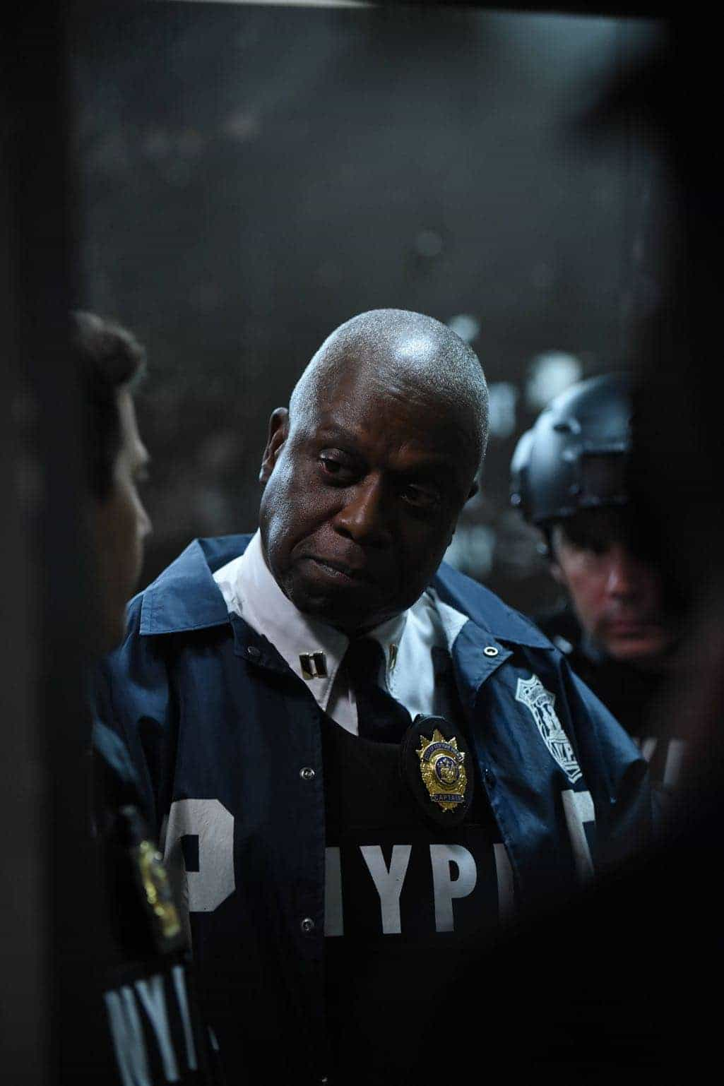 """BROOKLYN NINE-NINE: Andrew Braugher in the """"The Overmining"""" episode of BROOKLYN NINE-NINE airing Tuesday, Dec. 6 (8:00-8:31 PM ET/PT) on FOX. CR: Ray Mickshaw/FOX"""