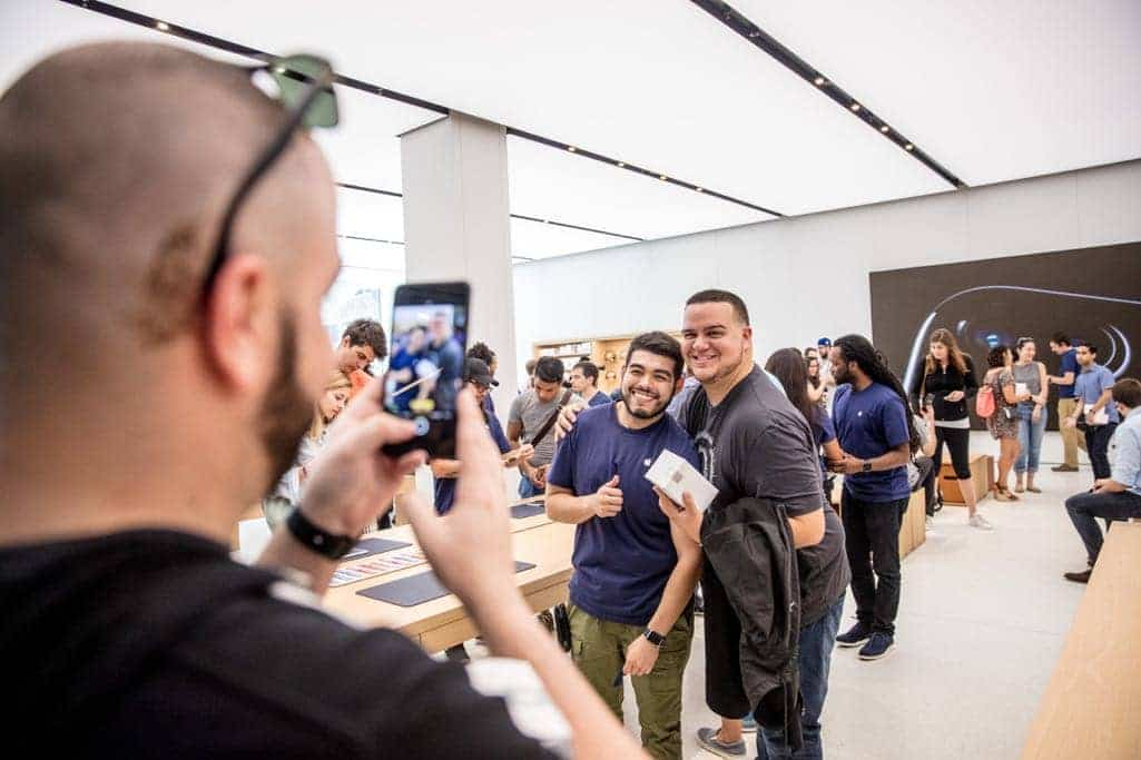 Customers gathered at Apple Brickell City Centre, Apple's fifth store in Miami.