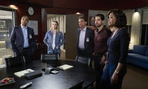 """Red Light"" -- Caught in an impossible scenario, Reid must square off with an old nemesis, and Derek Morgan (guest star Shemar Moore) comes to the team with a lead that might help catch Mr. Scratch, the elusive fugitive that has been tormenting the team all season, on the 12th season finale of CRIMINAL MINDS, Wednesday, May 10 (9:00-10:00 PM, ET/PT) on the CBS Television Network. Jane Lynch returns as Diana Reid, the mother of Dr. Reid. Pictured: Damon Gupton (Stephen Walker), A.J. Cook (Jennifer ""JJ"" Jareau), Joe Mantegna (David Rossi), Adam Rodriguez (Luke Alvez), Aisha Tyler (Dr. Tara Lewis) Photo: Sonja Flemming/CBS ©2017 CBS Broadcasting, Inc. All Rights Reserved"