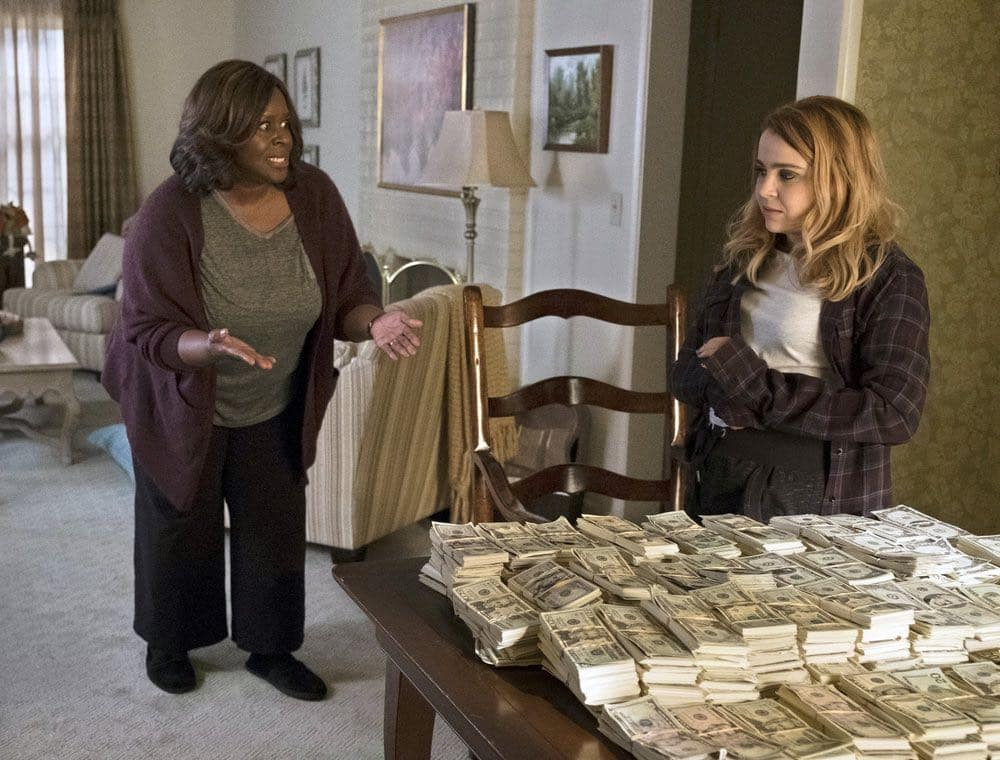 GOOD GIRLS -- Pilot -- Pictured: (l-r) Retta as Ruby, Mae Whitman as Annie -- (Photo by: Justin Lubin/NBC)