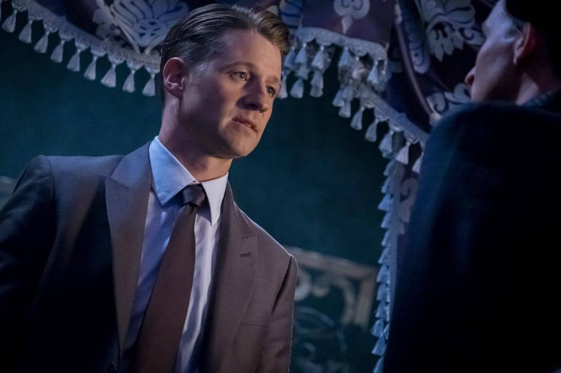 "GOTHAM: Ben McKenzie in the ""Pax Penguina"" season premiere episode of GOTHAM airing Thursday, Sept. 21 (8:00-9:01 PM ET/PT) on FOX. ©2017 Fox Broadcasting Co. Cr: Jeff Neumann/FOX."
