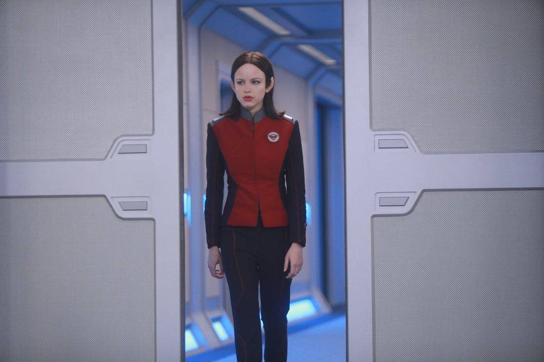 """THE ORVILLE:  Halston Sage in the """"Command Performance"""" episode of THE ORVILLE, the second part of the two-night special series premiere airing Sunday, Sept. 17 (8:00-9:00 PM ET LIVE to all Time Zones), immediately following the NFL Doubleheader on FOX. ©2017 Fox Broadcasting Co. Cr:  Jordin Althaus/FOX"""