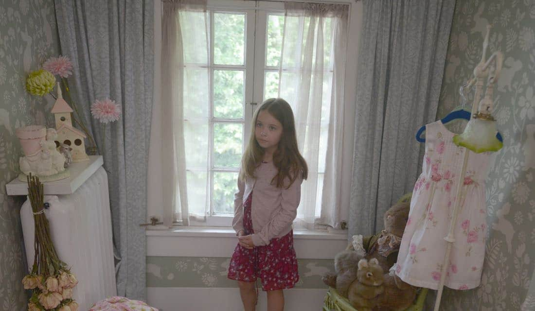 "THE EXORCIST: Guest star Amelie Eve in the ""Janus"" season premiere episode of THE EXORCIST airing Friday, Sept. 29 (9:00-10:00 PM ET/PT) on FOX. ©Fox Broadcasting Co. Cr: Sergei Bachlakov/FOX"
