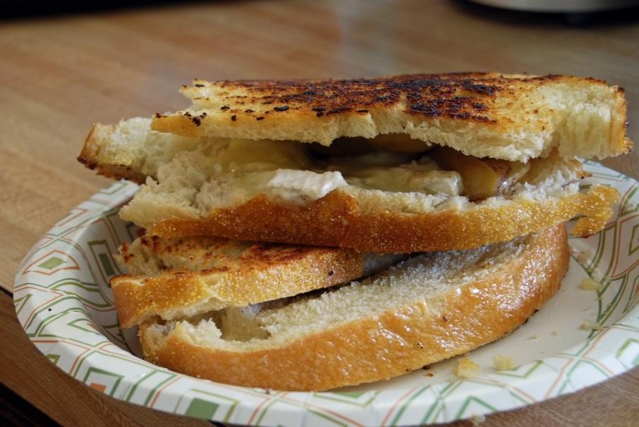 apple season cheese bread