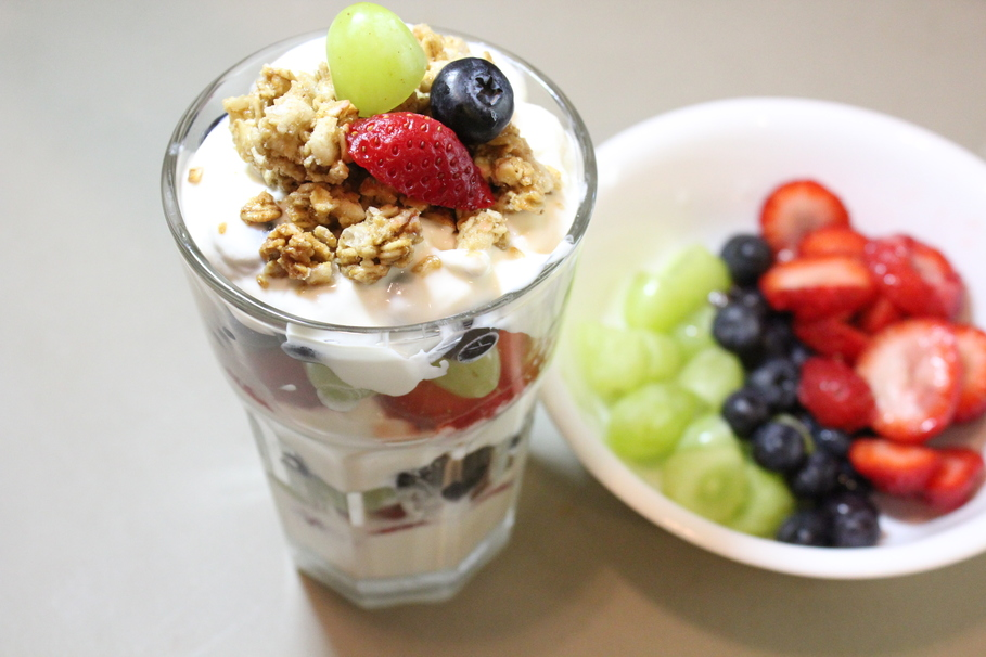 ridiculously easy yogurt parfait using all trader joe s products