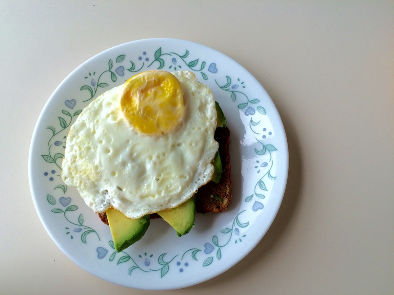 Healthy Dorm-Friendly Meals avocado egg