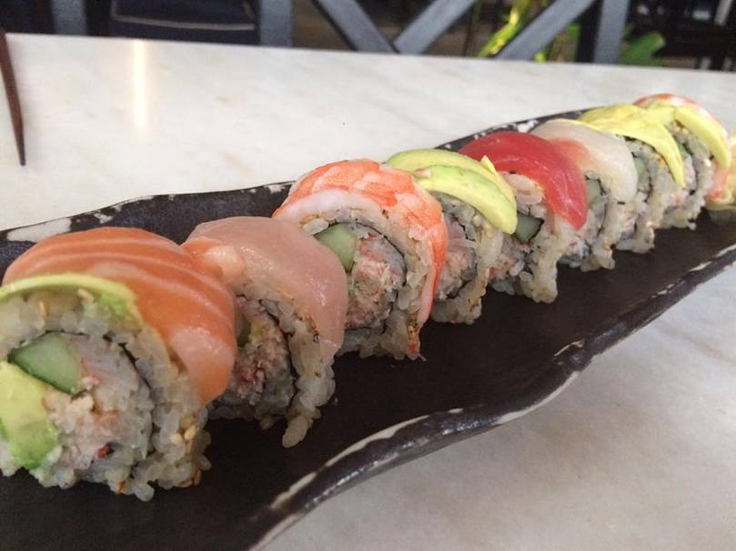 Sushi restaurants that deliver near the university of miami for Fish delivery near me