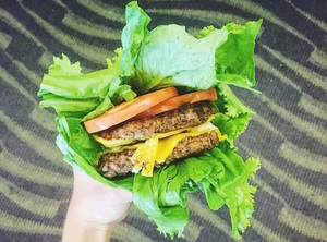 5 Ways to Hack Your Boring Dining Hall Burger