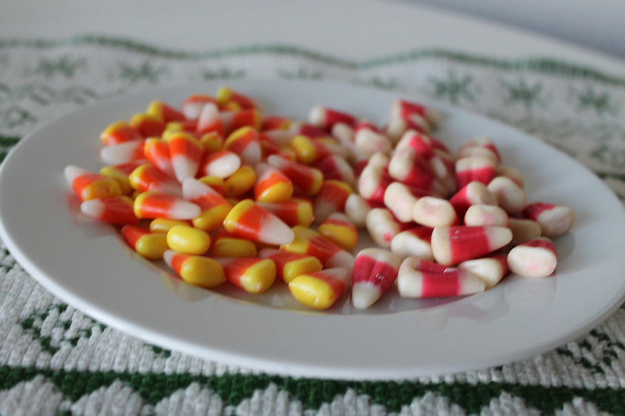 how to eat candy corn